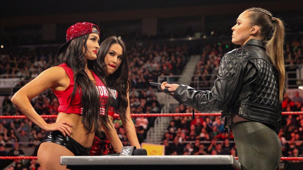 WWE Divas incontri WWE lottatori