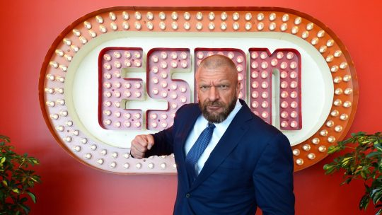 WWE: ESPN & FS1 Airing More WWE Content & ESPN Deal Update, WrestleMania 36 PPV Pricing