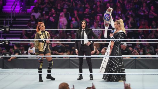 Backstage Incident Between Charlotte Flair & Becky Lynch at Friday's WWE SmackDown Show